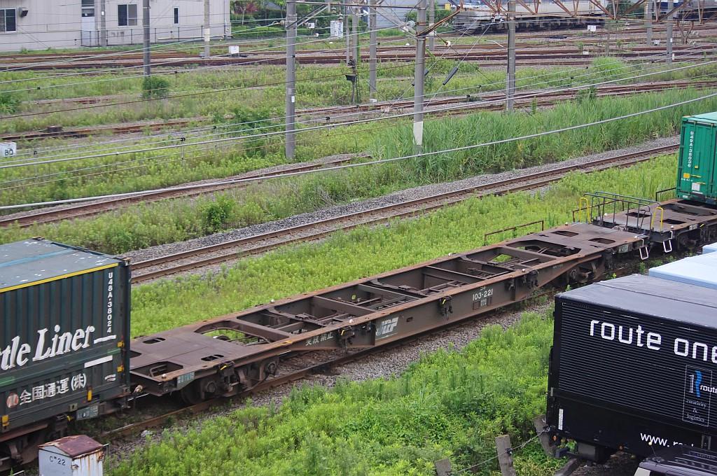 7/20東京貨物ターミナルにてSGS60レのコキとコンテナ_f0203926_2242259.jpg