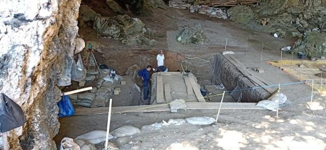 フロレス島の旅(リアンブア洞窟)_d0083068_08080089.jpg