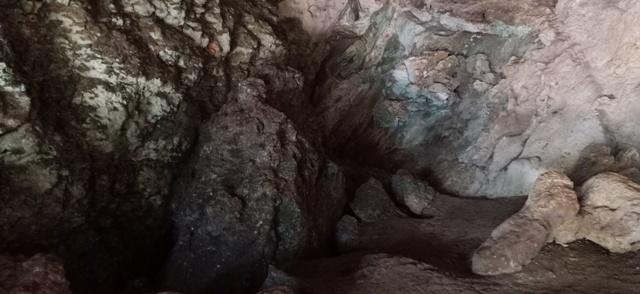 フロレス島の旅(リアンブア洞窟)_d0083068_08293528.jpg