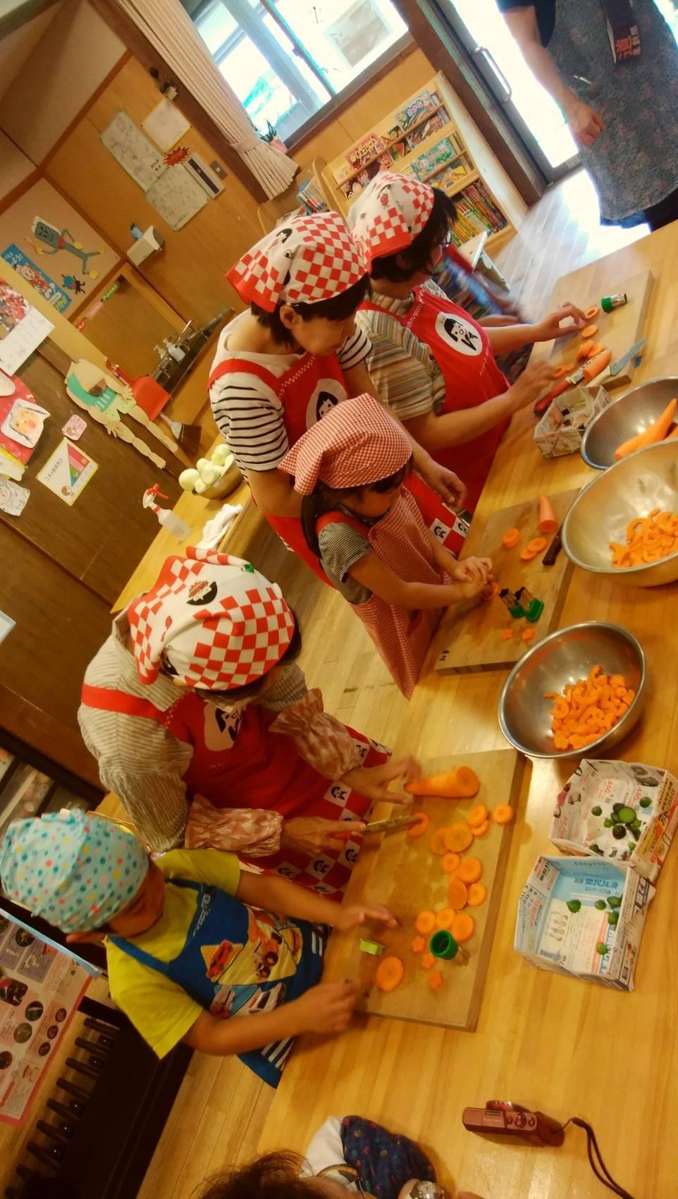 愛菜カレーの日_b0270977_22382639.jpg