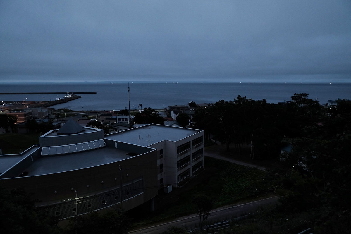 夜明け前_e0051186_09241609.jpg