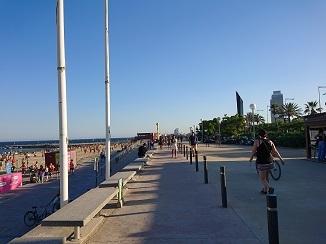 地中海ビーチ、バルセロネータ!_d0091909_17551419.jpg