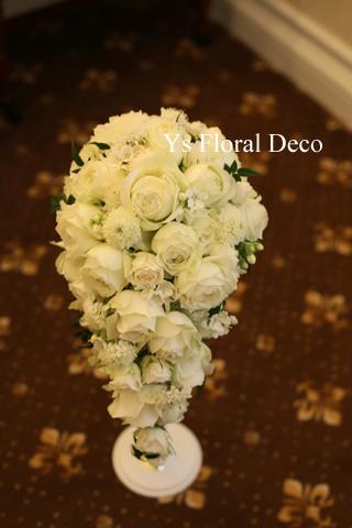 カップ咲のバラを用いたキャスケードブーケ_b0113510_17414845.jpg