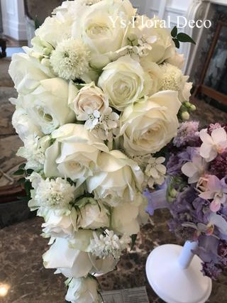 カップ咲のバラを用いたキャスケードブーケ_b0113510_17423647.jpg
