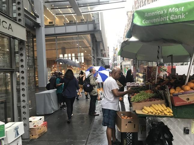 雨のマンハッタン Uberに乗らず_b0365715_04272365.jpg
