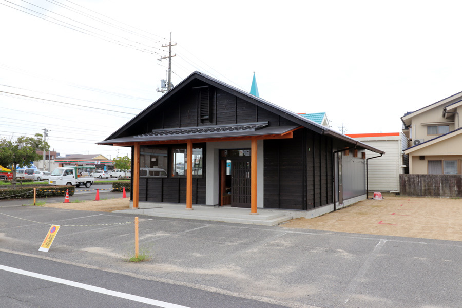黒の切妻/完成近し/飲食店舗設計/倉敷_c0225122_16443418.jpg