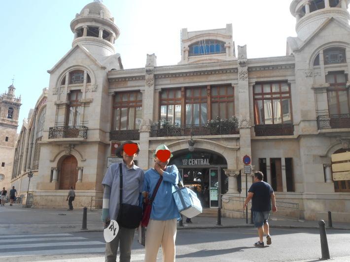 バレンシアで料理する3)なぜこのアパルトマン?市場 前編_a0095931_01463268.jpg