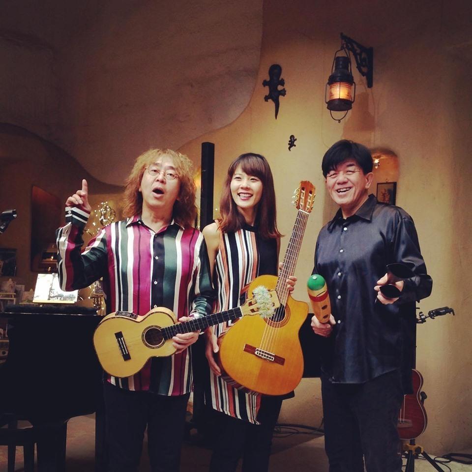 揚輝荘さんにて演奏します!ジューク オハナ バンド 初出演!_f0373339_15223369.jpg