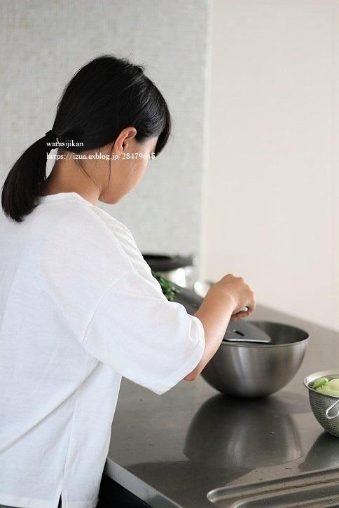 娘の夏休みの課題は料理_e0214646_11041216.jpg