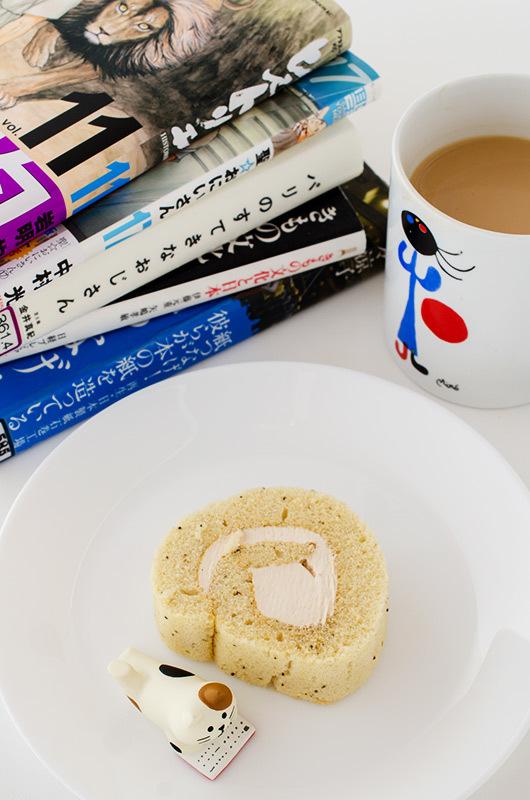 お茶と甘い物と本_a0003650_21482934.jpg