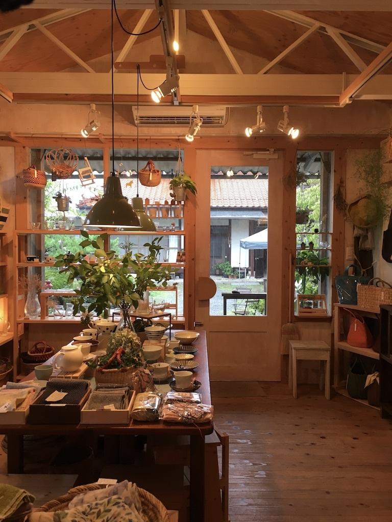 8月の営業日に変更があります。 〜梅雨の日の店内より〜_c0334574_13272736.jpg