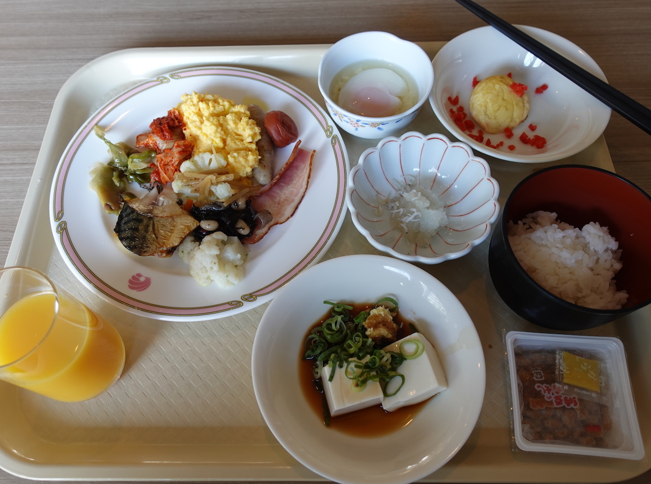 JANOG44@神戸出張 2日目。天孫降臨でラーメン食べて神戸ポートタワーに登る!_b0024832_23000466.jpg