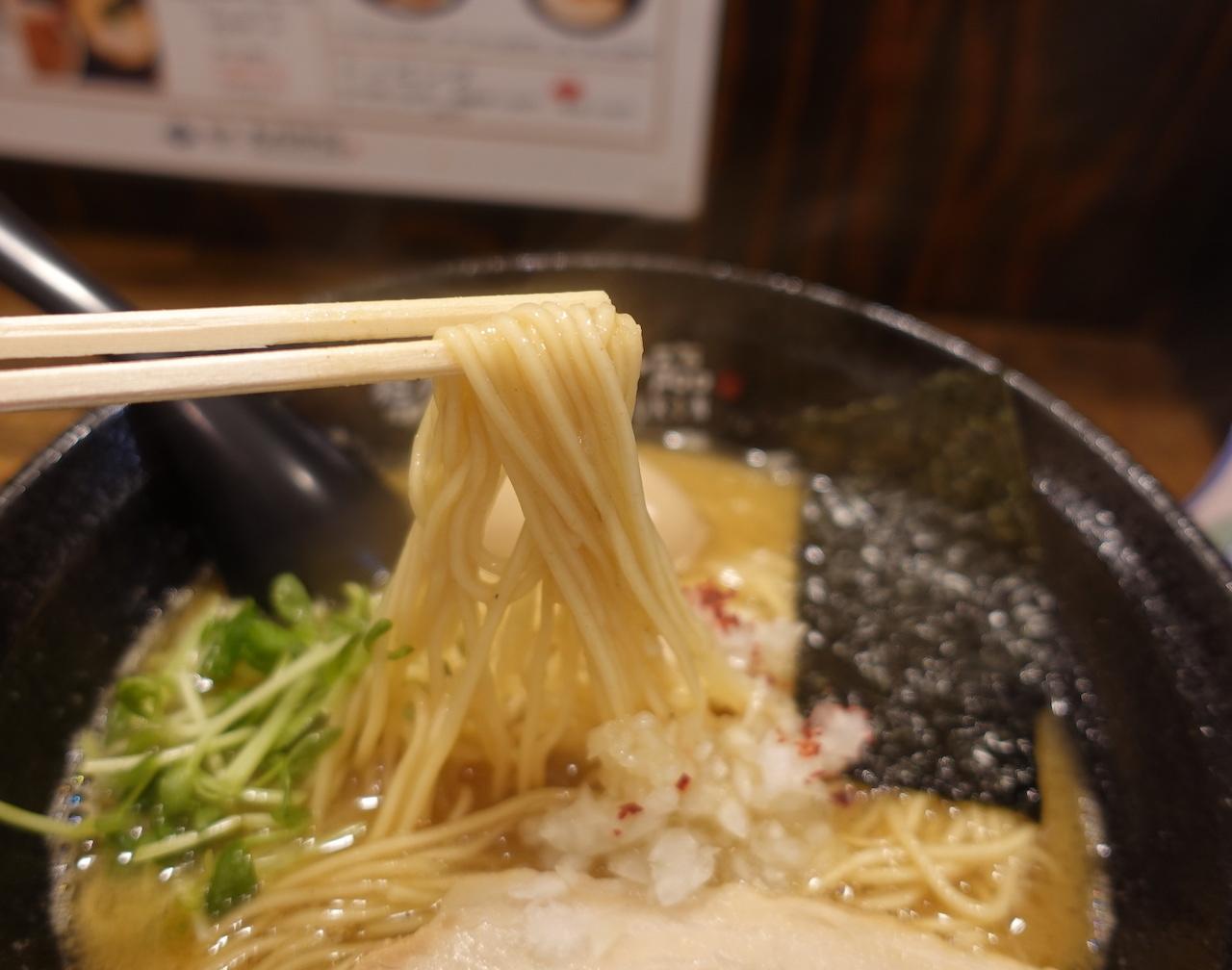 JANOG44@神戸出張 2日目。天孫降臨でラーメン食べて神戸ポートタワーに登る!_b0024832_23074182.jpg