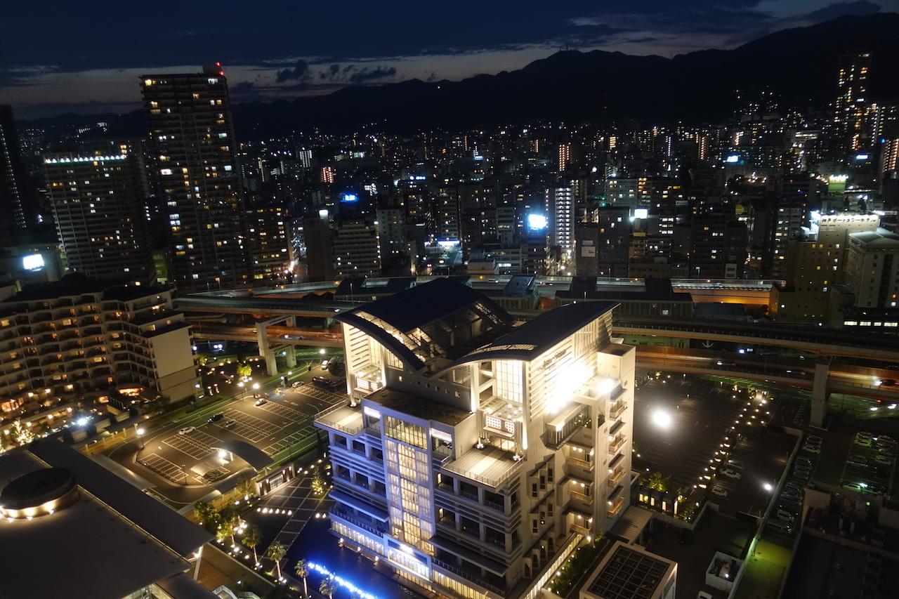 JANOG44@神戸出張 2日目。天孫降臨でラーメン食べて神戸ポートタワーに登る!_b0024832_23174297.jpg