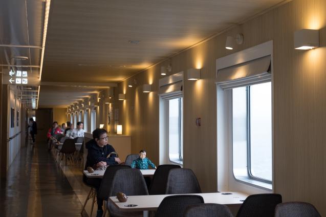 津軽海峡フェリーで 函館から青森へ_e0369736_18495282.jpg