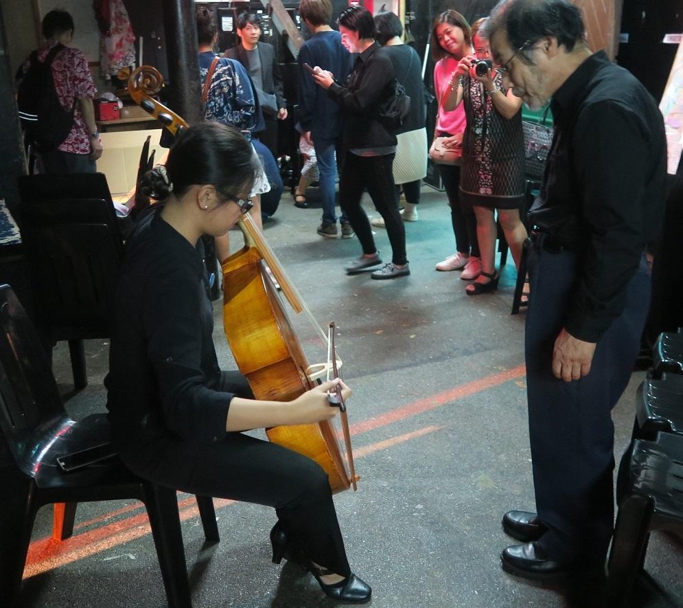 日比友好月間イベント: 天草「コレジヨの仲間」古楽器演奏会 セントルイス大学で開演_a0109542_19075360.jpg