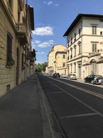 一番暑い時間帯にフィレンツェを楽しく散歩した_a0136671_00442182.jpg