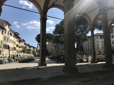一番暑い時間帯にフィレンツェを楽しく散歩した_a0136671_01152550.jpg