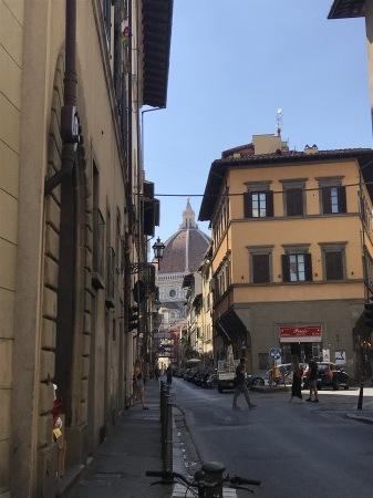 一番暑い時間帯にフィレンツェを楽しく散歩した_a0136671_01181919.jpg