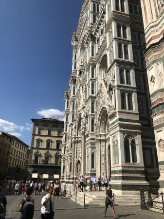 一番暑い時間帯にフィレンツェを楽しく散歩した_a0136671_01213819.jpg