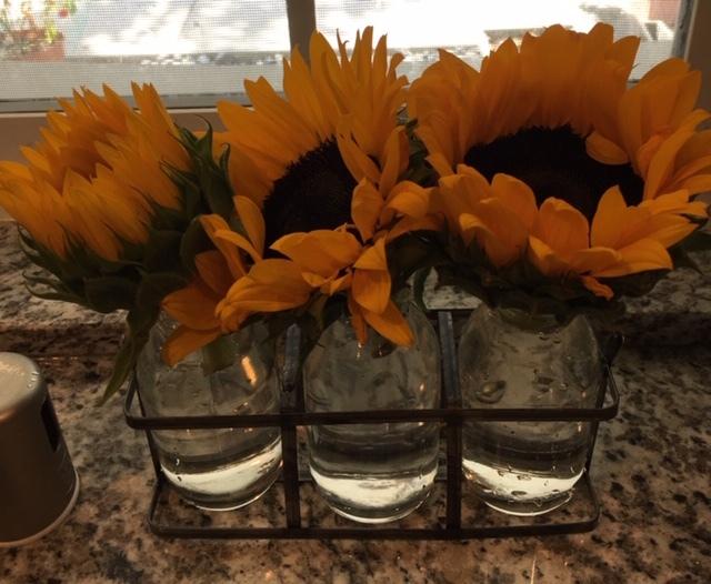 最近の花たちーグラジオラス、ダリア、トルコ桔梗などなど_e0350971_07261593.jpg