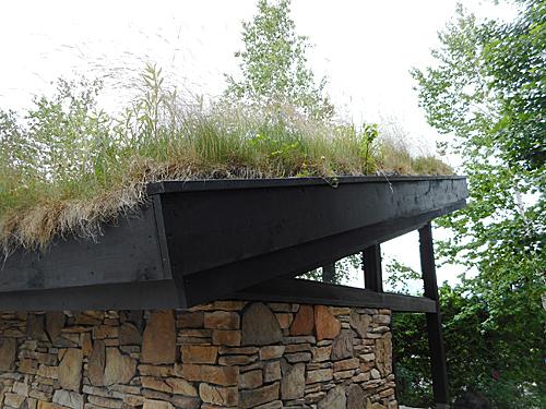 草屋根の建築_e0066586_07283016.jpg