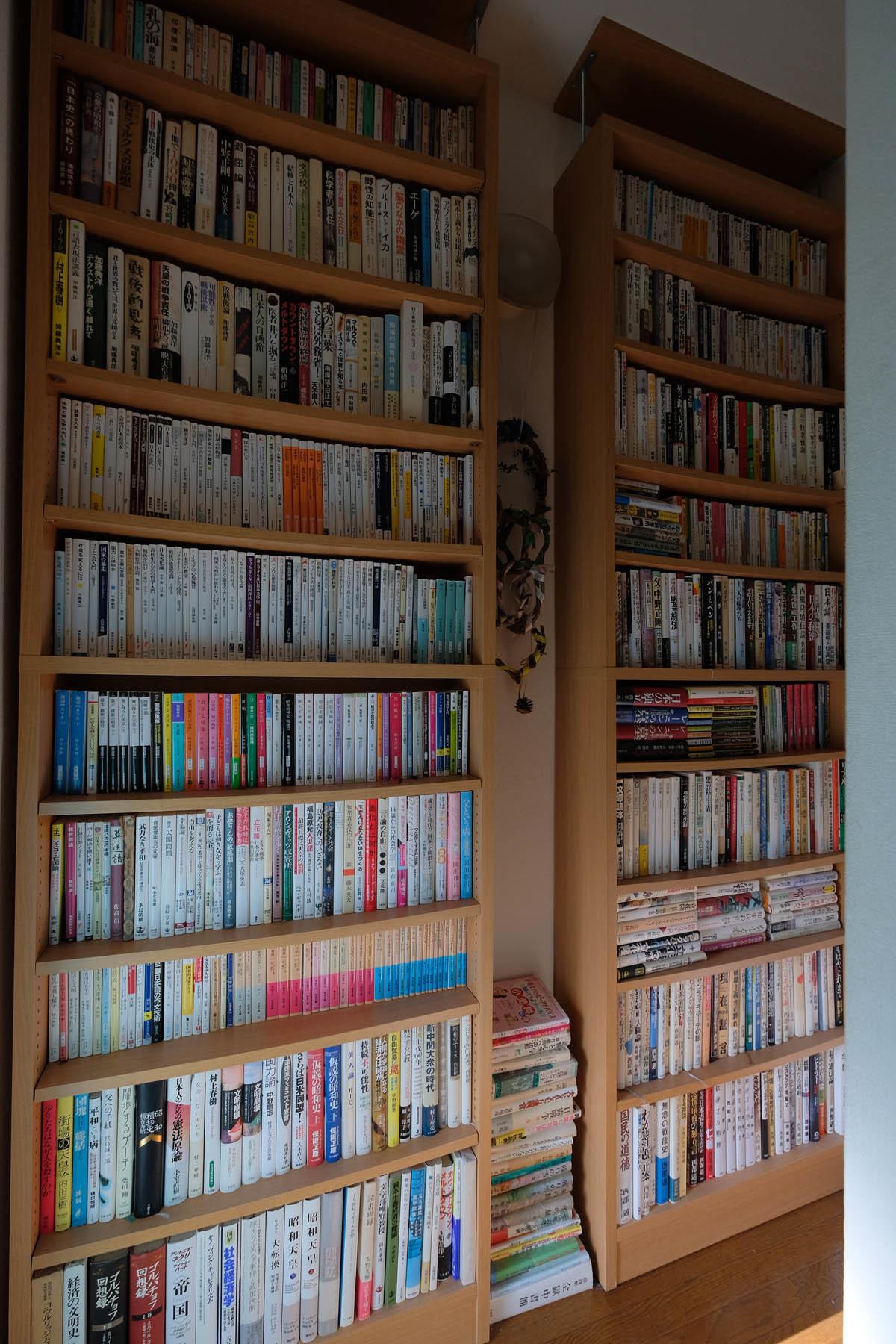 書棚が届いた_e0367501_09172181.jpg