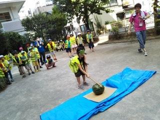 7月26日 「Splitting watermelon」_c0315913_19434014.jpeg