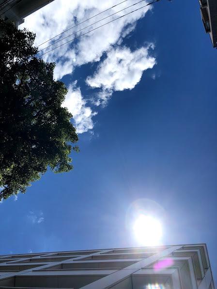 """《空と雲》青い空と、""""嬉しい!""""と、""""坂""""のおはなし_b0298740_13414817.jpg"""