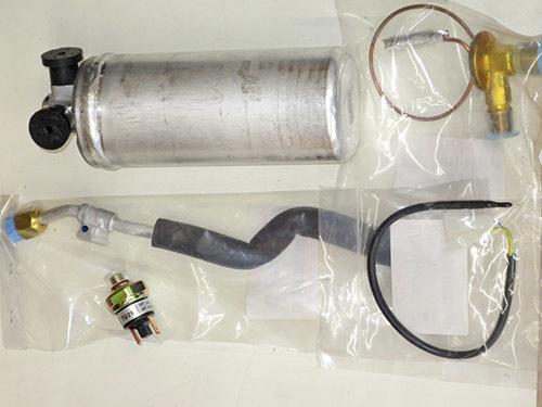 エアコン修理!★AW11 MR2★ レトロフィットでR134ガスに!!_d0156040_13334965.jpg