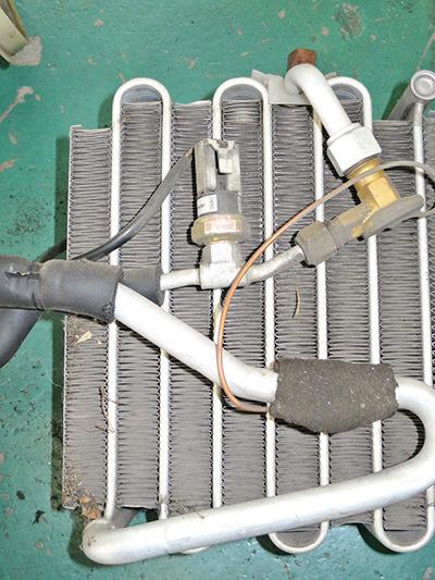 エアコン修理!★AW11 MR2★ レトロフィットでR134ガスに!!_d0156040_17582167.jpg