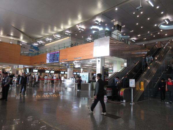 松山空港散策(出国前)_c0152767_17144652.jpg