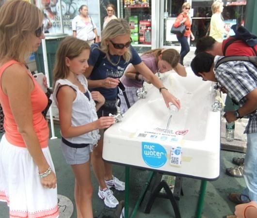 夏のニューヨークの暑さ対策(2)水筒(ペットボトル)も必需品_b0007805_09140519.jpg