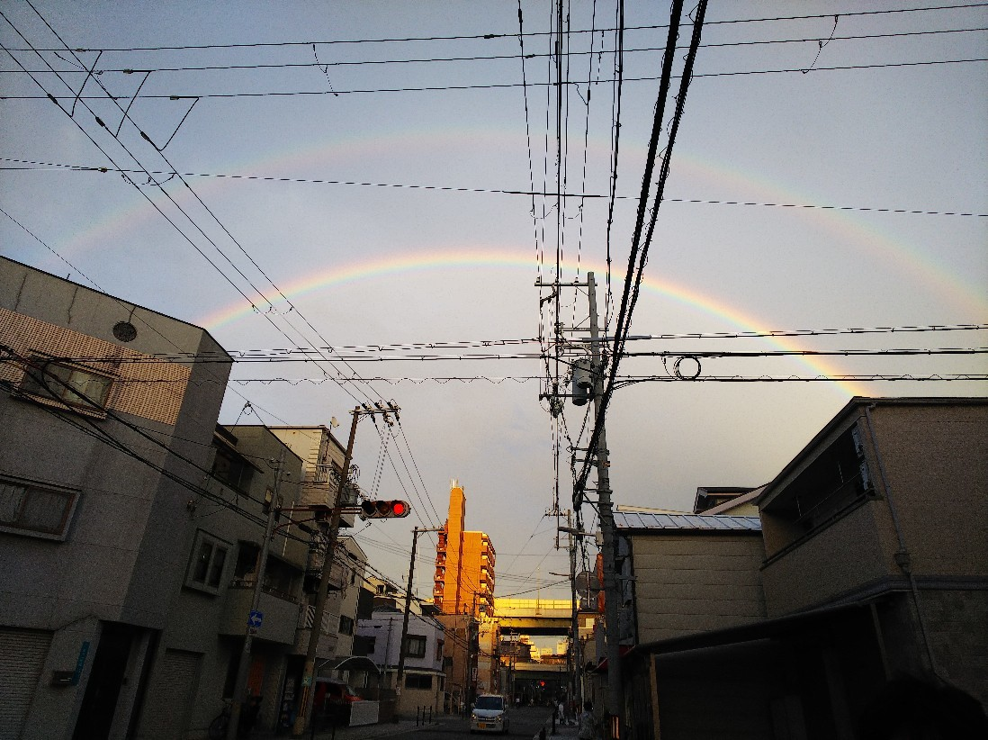 虹が出ていました。_a0098418_14264656.jpg