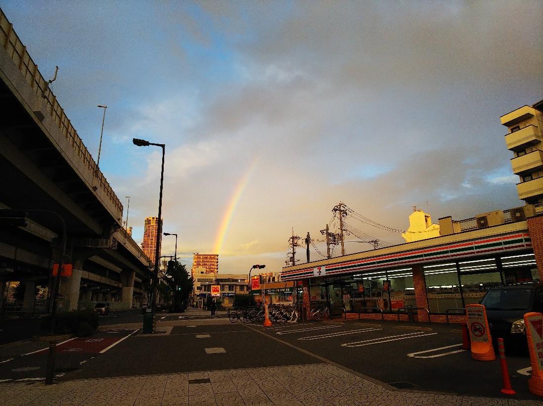 虹が出ていました。_a0098418_14314839.jpg