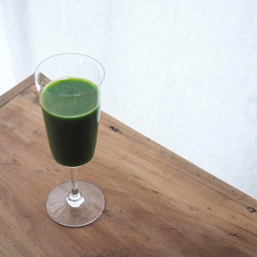 グリーン系コールドプレスジュースと腸のクリアリング_e0243332_14470954.jpg