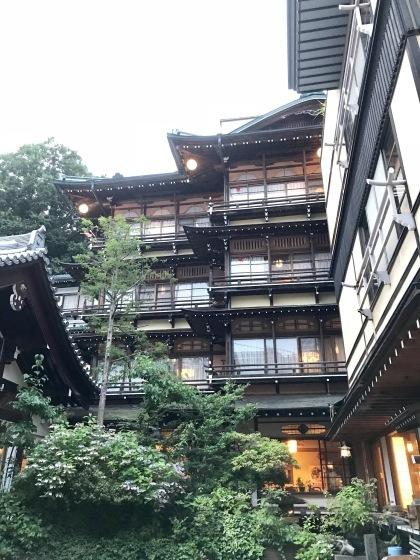 渋温泉 志賀高原ビール タングラム 海鮮丼_b0132338_19184247.jpeg