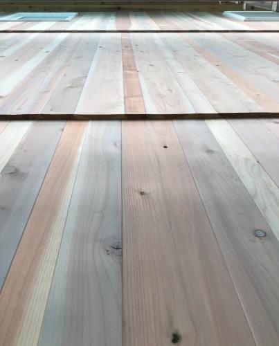 杉板、縦貼り、重ね貼り、ちょっと変わっってる板壁_a0240971_04554528.jpeg