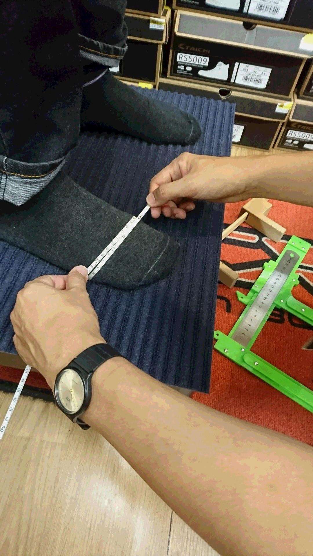 シューフィッターによる足のサイズ測定・靴と足の相談会_b0163075_11245019.jpg