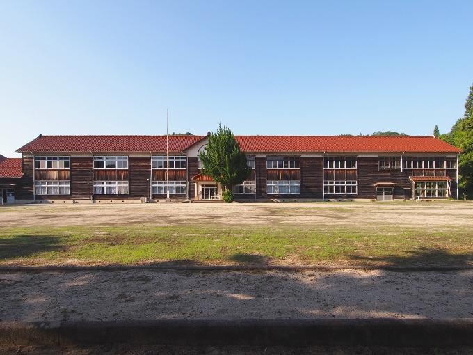 旧跡市小学校_f0116479_12155354.jpg