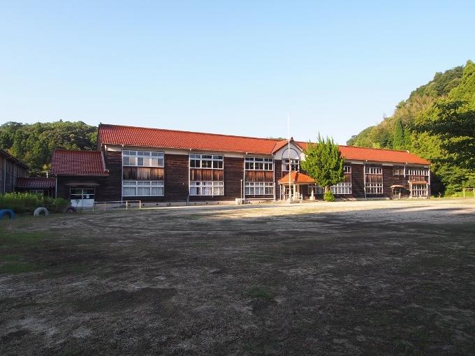 旧跡市小学校_f0116479_12211061.jpg