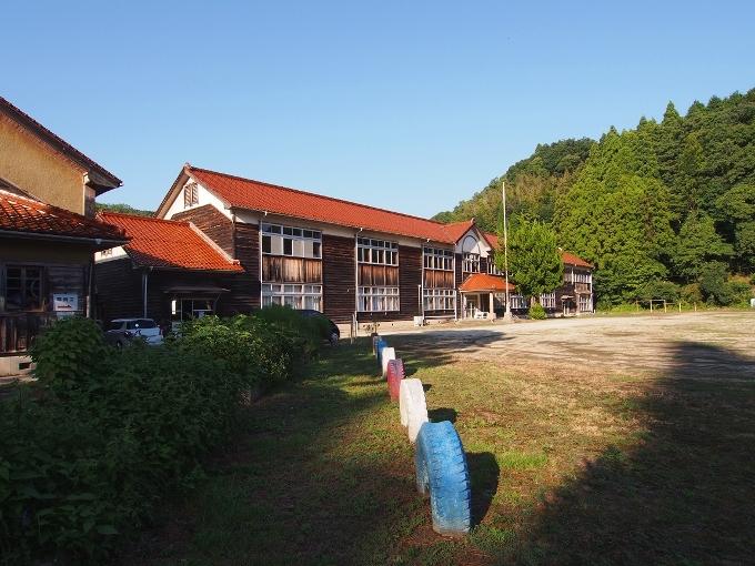 旧跡市小学校_f0116479_12220337.jpg