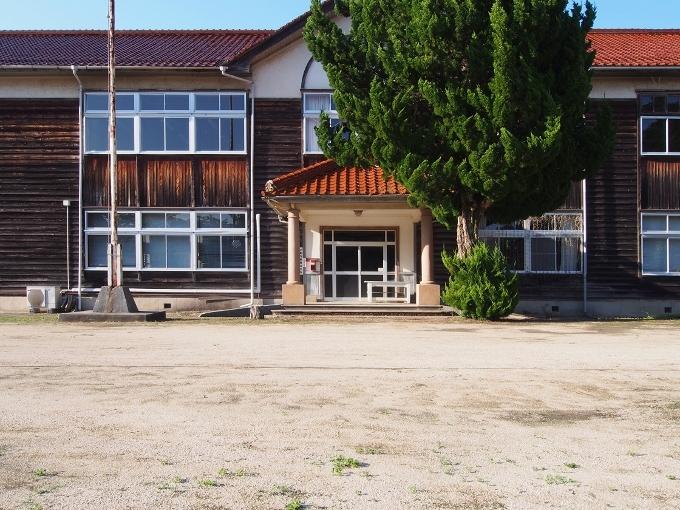 旧跡市小学校_f0116479_12235758.jpg