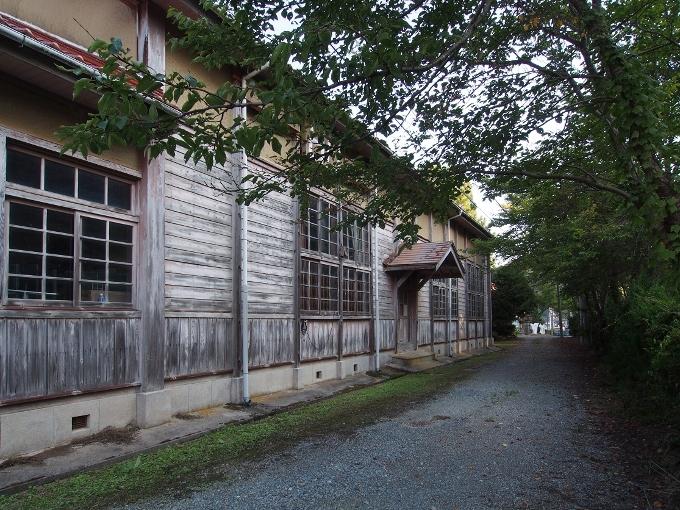 旧跡市小学校_f0116479_12324166.jpg