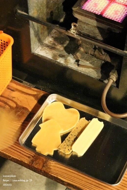 飛騨高山へ、煎餅焼き体験とパン屋_e0214646_22285250.jpg