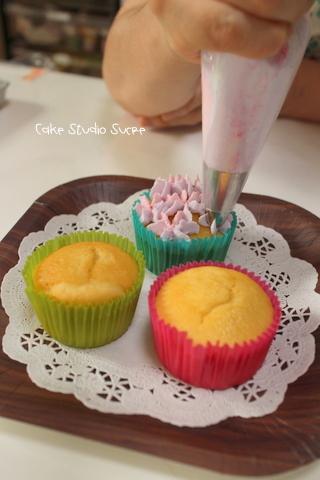 カップケーキ体験クラスでした!_f0281084_10151364.jpg