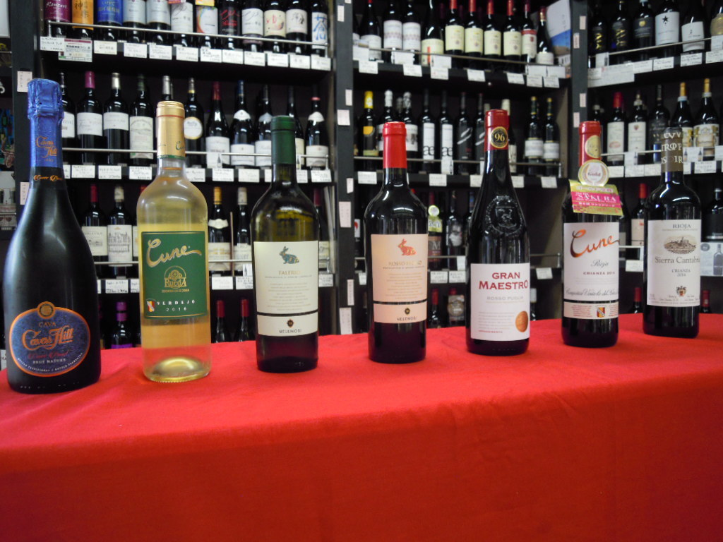 暑い中でのワイン会はやっぱり冷えた白が人気ですね!_f0055803_14451474.jpg