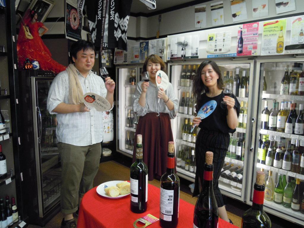 暑い中でのワイン会はやっぱり冷えた白が人気ですね!_f0055803_14454703.jpg