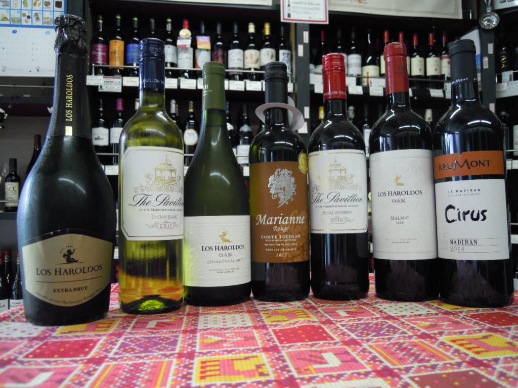 暑い中でのワイン会はやっぱり冷えた白が人気ですね!_f0055803_14584136.jpg