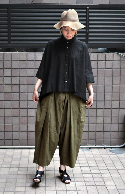 「カジュアルワイド半袖シャツ」ブラック再入荷のお知らせ_d0193211_13433741.jpg